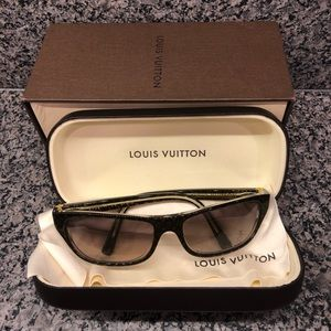 5e99161ee17 Louis Vuitton Accessories - Women s Louis Vuitton Sunglasses never worn